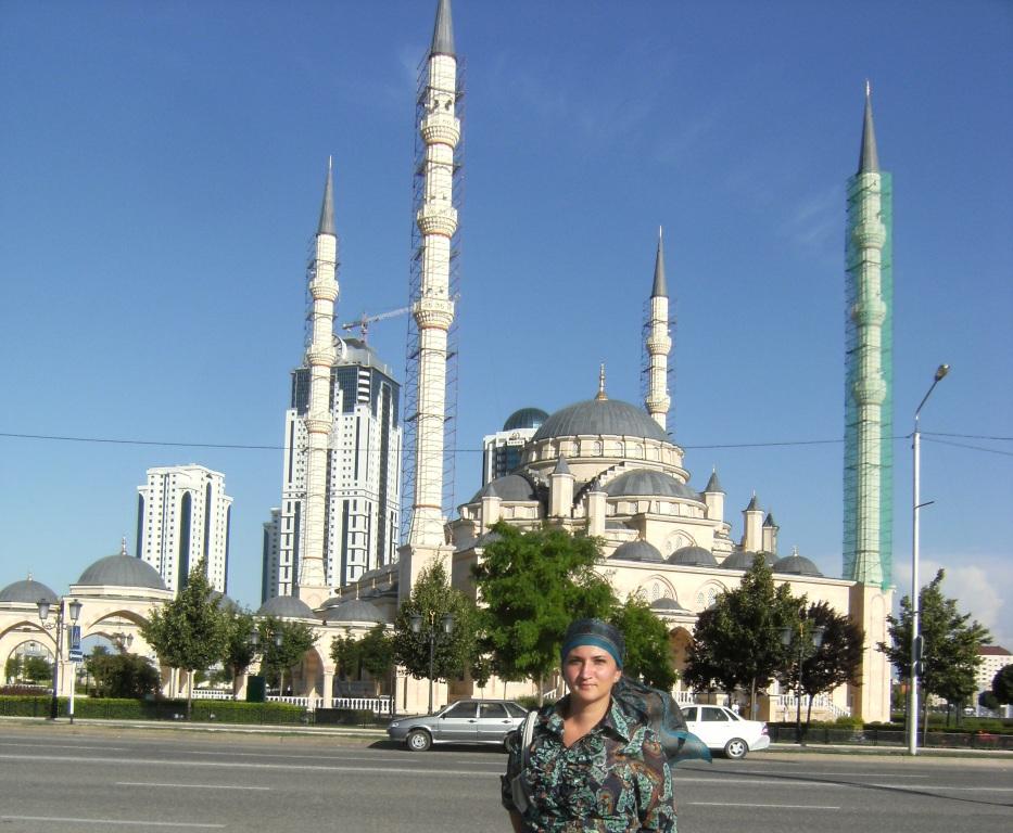 рассказала, что грозный фото камри на фоне мечети занятия